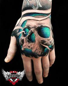Фото тату Михаил Смирнов - Тату черепа на кистях рук Skull Hand Tattoo, Hand Tats, Hand Tattoos For Guys, Skull Tattoo Design, Skull Tattoos, Tattoo Designs Men, Body Art Tattoos, Sleeve Tattoos, Tatoos