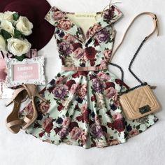 Vestido NEOPRENE C/ Bojo  Princesa Danila ( Estampa Flores Pastel)