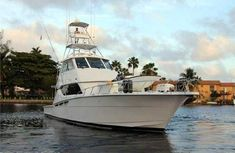 60 Hatteras sportfish with enclosed flybridge