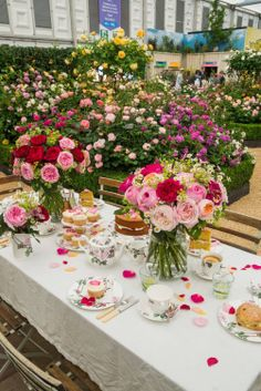 Time for tea at Chelsea flower show with David Austin Roses :)
