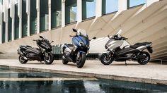Há novidades a caminho da família MAX da Yamaha. Não se trata de uma nem de duas, mas sim de três novas versões TMAX prestes a chegar aos mercados em 2017: TMAX, TMAX SX e TMAX DX.
