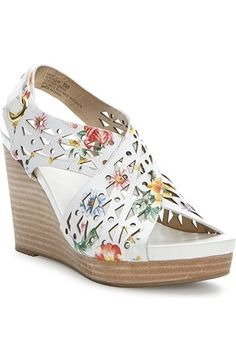 Me Too Women's Aubree16 Flower Wedge Sandal ** Details can be found by clicking on the image. (This is an Amazon affiliate link)