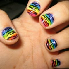 RAINBOW ZEBRA NAILS !