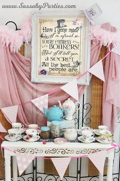 Add even more fun to your Alice in Wonderland or Mad Hatter Tea Party with this Free Printable 'Pin the Grin on the Cheshire Cat' game. Alice In Wonderland Birthday, Wonderland Party, Alice In Wonderland Printables, Alice In Wonderland Sign, Mad Hatter Party, Mad Hatter Tea, Party Co, Tea Party Games, Ideas
