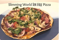 Slimming World Syn Free Pizza. Here's a week's worth of Slimming World friendly packed lunches to inspire you to save money and eat well at the same time. Slimming World Pizza, Slimming World Lunch Ideas, Slimming World Free, Slimming World Dinners, Slimming World Recipes Syn Free, Pizza Wraps, Healthy Recipes, Healthy Meals, Delicious Recipes