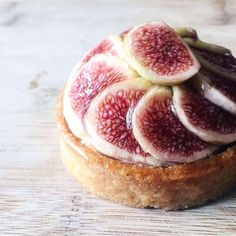Currently back in season is the Sollies Fig tart - indulge in a tasty delight of fresh figs atop almond frangipane with fig compote and vanilla cream goodness #tartebycherylkoh #lesamisgroup #lesamis Photo credit: @bibikgourmand