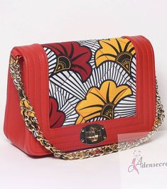 Diy African Jewelry, African Accessories, African Necklace, Ankara Bags, Homemade Bags, Painted Bags, Handbag Patterns, Beaded Bags, Beautiful Bags