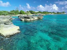 Smith's Cove is a beautiful snorkel spot on grand cayman.