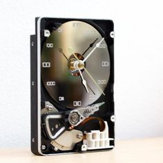 Desk clock - recycled Computer hard drive clock - HDD clock - gift for men - unique gift for him - Science Geek, Computer Science, Computer Hard Drive, Unique Gifts For Him, Desk Clock, Hdd, Back To School, Recycling, Instagram Posts