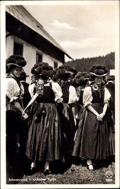 Ansichtskarte / Postkarte Schwarzwald, Frauen in Gutacher Tracht mit Bommelhüten