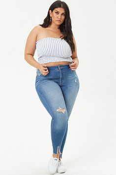 Plus Size Distressed Skinny Jeans Fashion For Petite Women, Womens Fashion Casual Summer, Curvy Women Fashion, Plus Size Fashion, Fashion Black, Fashion Edgy, Fashion Brands, Fashion Online, Curvy Skinny Jeans