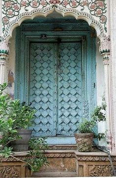 """Hidden under an archway in the old section of Delhi are some old """"mansions"""". The doors are elaborate and colorful, even though the buildings themselves are falling down. Chadni Chowk, Delhi, India by Susani Les Doors, Windows And Doors, Front Doors, Cool Doors, Unique Doors, Jardin Decor, Indian Doors, When One Door Closes, Grand Entrance"""