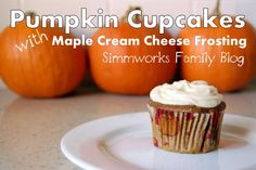 Pumpkin Muffins with Maple Cream Cheese Frosting - so perfect for this Fall and my obsession with pumpkin!