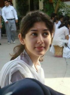 Here you can get free Pakistani College Girls Mobile Numbers and you can also watch here pictures and photos of College Girls of Pakistan. School Girl Pics, College Girl Photo, College Girls, Local Girl Photo, Dehati Girl Photo, Photo Pic, Desi Girl Image, Girls Image, Pakistani Girls Pic