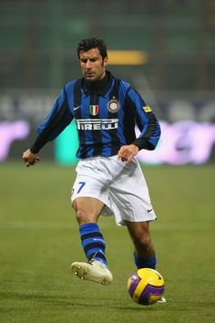 Luis Figo Photos Photos - Luis Figo of Inter Milan during the Serie A match between Inter Milan and Roma at the San Siro stadium on February 2008 in Milan,Italy. - Inter Milan v Roma - Serie A God Of Football, Football Icon, School Football, Football Kits, Football Soccer, Good Soccer Players, Football Players, Real Madrid, Lionel Messi Barcelona
