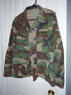 Unisex MEN /WOMEN Standard Army Issue 4 pocket Camo shirt /jacket use for fishin