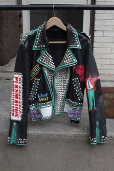 These are hand painted Vintage Leather Punk Rock Jackets With Studs and Spikes. So fucking rad! Punk Jackets, Gothic Jackets, Estilo Punk Rock, Steampunk Jacket, Gothic Steampunk, Mode Punk, Painted Leather Jacket, Motorbike Jackets, Battle Jacket