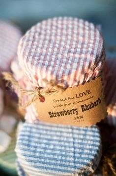 Seersucker Wedding Details For Brides, Grooms And Attendants (PHOTOS) - only with blue and white gingham cloth, keep the twinge