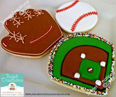 Baseball cookies by Sweet Creations Cookies Iced Cookies, Cute Cookies, Cupcake Cookies, Sugar Cookies, Cookies Et Biscuits, Cookie Cakes, Baseball Cookies, Baseball Party, Baseball Treats