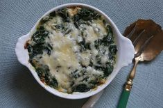 Considering its provenance it was no surprise to me to find that this simple spinach gratin was a success. The inspiration comes from Thomas Keller's Ad Hoc At Home, whose author is the winner of multiple Michelin stars as well as the prize for Best Chef in America. Keller's restaurant, French Laundry, as also won Best Restaurant In The World.