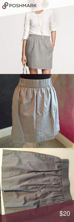 "J. CREW, HIGH WAISTED CITY SKIRT Barely worn. No damage. Pockets. 2"" width waist band. 18"" long. 28"" waist. 100% cotton. Fits true to size. Make an offer! J. Crew Skirts Mini"