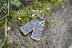 Keramické náušnice NATURA (35) Náušnice z kolekce NATURA. Každý kus je originál. Celková délka: 6 cm