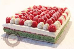 Pistachio Raspberry Cake with Vanilla Diplomat Cream Pie Decoration, Raspberry Cake, Number Cakes, Cupcakes, French Pastries, Sweet Cakes, Food Dishes, Sweet Recipes, Gourmet