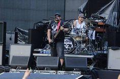 Em tempo de crise, Porão do Rock tem edição de apenas um dia, com Raimundos e Angra, neste sábado - http://noticiasembrasilia.com.br/noticias-distrito-federal-cidade-brasilia/2015/12/04/em-tempo-de-crise-porao-do-rock-tem-edicao-de-apenas-um-dia-com-raimundos-e-angra-neste-sabado/