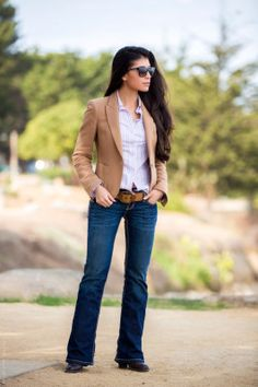 Dark Wash Boot Cut Jeans Essential - Stylishlyme