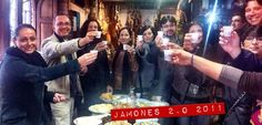 Fiesta de despedida de los primeros jamones apadrinados en Jamones Abuxarra ¡¡chin, chiiinnnn!!
