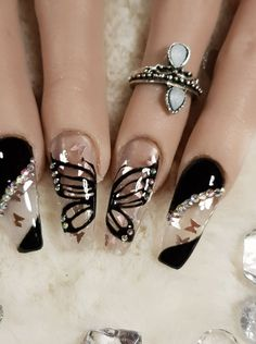 best winter nails red colors for long nails art designs 18 Glam Nails, Classy Nails, Stylish Nails, Bling Nails, Stiletto Nails, Coffin Nails, Black Acrylic Nails, Best Acrylic Nails, Nail Swag