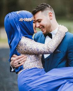 Congratulations and best wishes to sister Esraa from @arif_esraa! This is so sweet ♥ As always, gorgeous photo by the famed Photographer of Love @sbingraphy ♥ ;) . . .  #dugunfotografcisi ☑#fotografci ☑#cutecouple ☑#muslimcouple ☑#aşk ☑#dugun ☑#pernikahan ☑#cutemuslimcouple #couplegoals #halallove☑#thebridestory ☑#photooftheday ☑#nisan ☑#gelinlik ☑#nisanlik ☑#gelin ☑#damat ☑#weddingphotography ☑#weddingphotographer #nikah #weddingku #bridestory #muslim #muslimcouple #walima #valima…