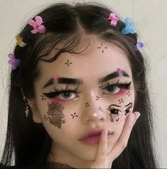 Informations About 121 abstract makeup looks that are totally selfie Pin You can easily use my profi Cute Makeup Looks, Makeup Eye Looks, Creative Makeup Looks, Crazy Makeup, Pretty Makeup, Edgy Makeup, Grunge Makeup, Makeup Inspo, Makeup Art