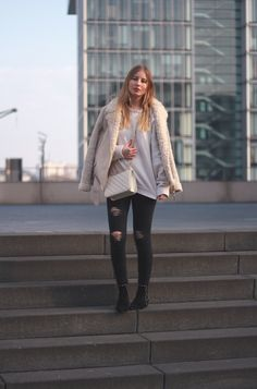 outfit pullover polo ralph lauren skinny jeans shearling biker mantel tasche in köln fashionblog