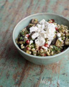 aubergine-salade granaatappel feta tarwe