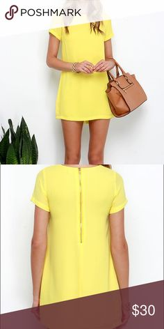 YELLOW SHIFT DRESS Rounded neckline and short sleeves dress. With exposed gold zipper at back. 🚫NO TRADES🚫 Lulu's Dresses