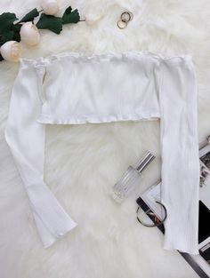 SHARE & Get it FREE | Frilled Off The Shoulder Crop Top - WhiteFor Fashion Lovers only:80,000+ Items • New Arrivals Daily Join Zaful: Get YOUR $50 NOW!
