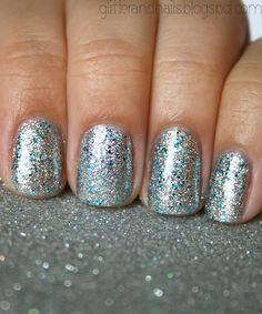 Metallic #Nails #IPAProm #Prom360