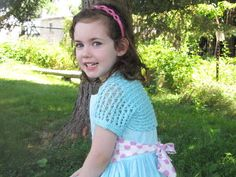 Lacy Little Shrug girl knit pattern free