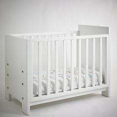 Julieta crib convertible into toddler bed. Design by Valeria Tamayo.