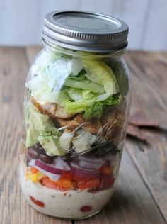 Southwest Ranch Chicken Salad In A Jar | Healthy Salad In A Jar Recipes | https://homemaderecipes.com/salad-jar-recipes-healthy/