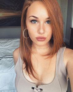 Meet the beautiful and fiery redhead that is Sarah Gibson. Fiery Redhead, Aimee Teegarden, Minka Kelly, Magic Eyes, Fake Photo, Gorgeous Women, Beautiful, Hot Actresses, Persona