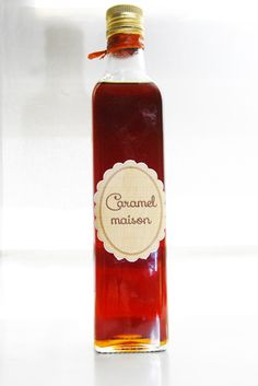 Caramel maison to make Desserts With Biscuits, Thermomix Desserts, Infused Oils, Gourmet Gifts, Jar Gifts, Diy Food, Hot Sauce Bottles, Homemade Gifts, Sweet Recipes