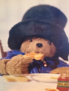 Paddington and marmalade. I loved Paddington books 1970s Childhood, My Childhood Memories, Great Memories, Kids Tv, 90s Kids, Retro Toys, Vintage Toys, Oso Paddington, Kids Shows