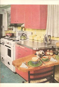Sometimes I wish I lived anywhere between the 1920's-1950's. Love this 1950's kitchen!
