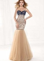 Light up the night with glamorous Tarik Ediz gowns. Designer Prom Dresses and Exclusive Evening Gowns are synonymous with opulence & allure Formal Dress Patterns, Evening Dress Patterns, Formal Dresses, Reception Dresses, Dresses 2014, Party Dresses, Designer Prom Dresses, Tulle Prom Dress, Beautiful Dresses