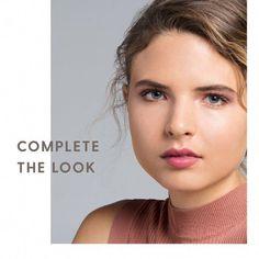 How to Apply Eye Shadow for Hooded Eyes #HowToApplyMascara Eyeliner For Hooded Eyes, Hooded Eye Makeup, How To Apply Eyeliner, Applying Eye Makeup, Eye Makeup Tips, Makeup Ideas, Applying Mascara, Makeup Eyeshadow, Eye Liner Tricks