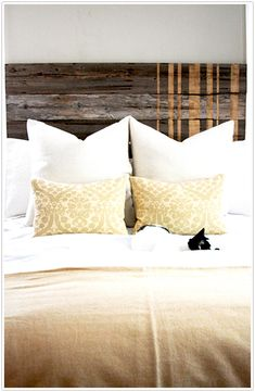 DIY headboard, transformed, fence turned headboard, instructions, interior design, step by step, wood, bedroom
