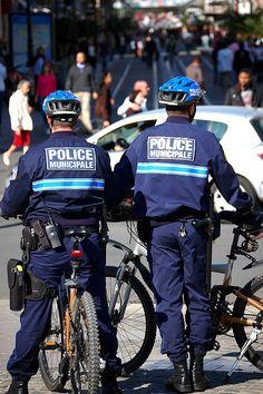 Police ! V