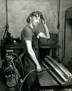 Woman worker grinding a machined part at Curtiss-Wright. Dale Smith, Missouri History Museum Photographs and Prints Collection. Smith, Dale F. Pin Up, Rosie The Riveter, Interesting History, Working Woman, History Museum, Women In History, Vintage Photographs, World War Two, Historical Photos
